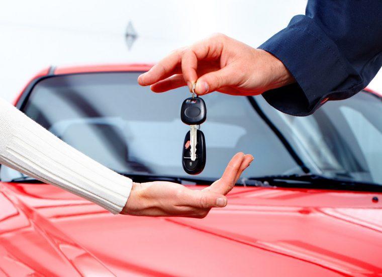 Что лучше автокредит или потребительский кредит на машину